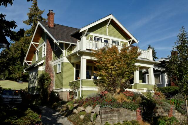 Ballard craftsman for Craftsman roofing